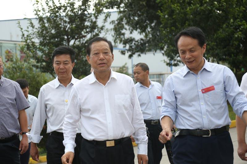 全国政协副主席刘晓峰调研好医生攀西药业