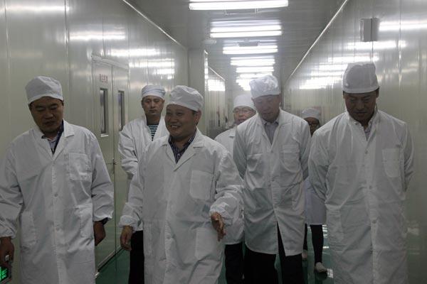 辽宁省新民市领导考察好医生绵阳生产基地