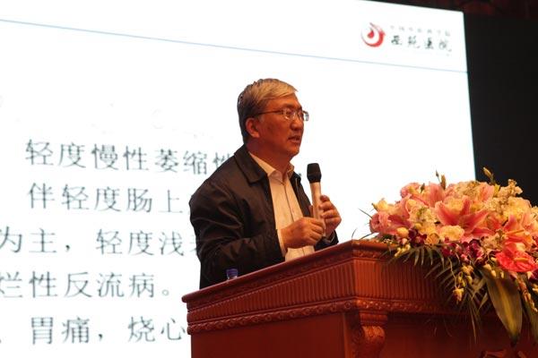 中国中医科学院西苑医院院长唐旭东