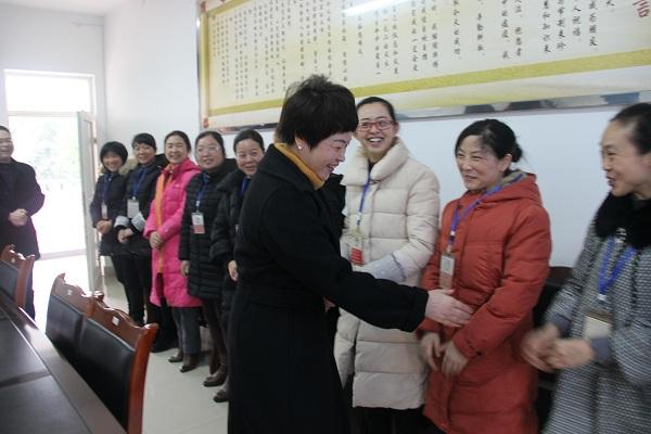 安州区区委书记廖雪梅看望好医生药业基层员工