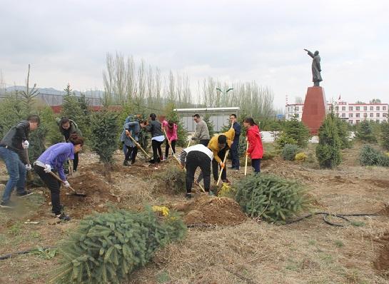 """山西好医生组织""""扎根沃土,成长希望""""植树活动"""