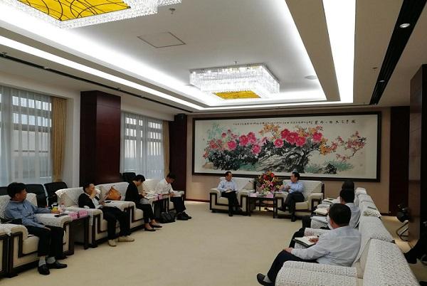 沈阳市市长姜有为与耿福能董事长举行交流座谈会