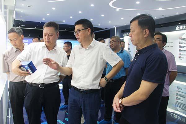 绵阳市人大常委会副主任李作虎莅临好医生绵阳生产基地调研